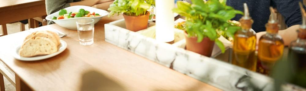 Asztal egy étteremben: a Vapiano bevezette az EDITEL EDI megoldásait